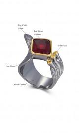 Luksuslik must-kuldne punase tsirkooniga sõrmus WA11779